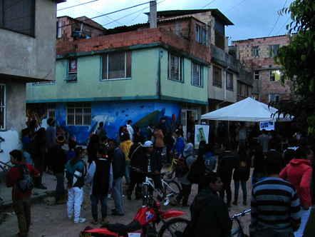 Bogotá ¡Familia y Casa Cultural amenazados de desalojo!